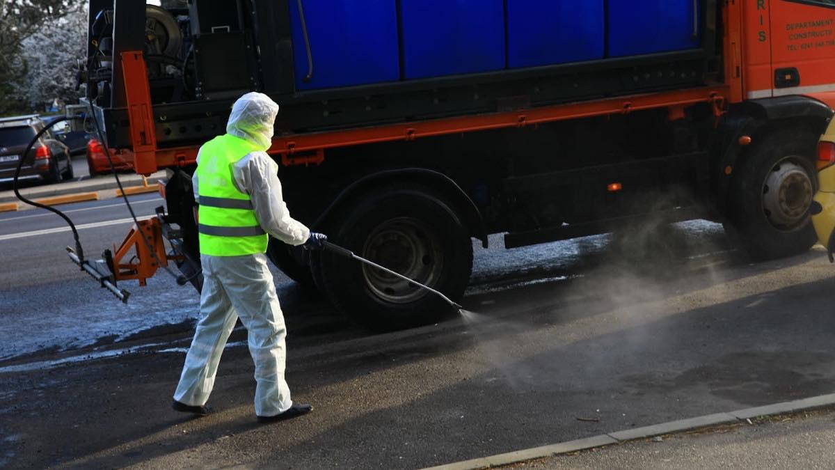 Primăria Blejoi a început acțiunile de dezinfecție a spațiilor publice din comună
