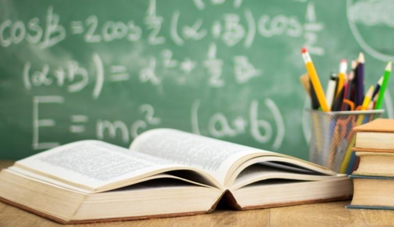 Examenele de Evaluare Naţională şi Bacalaureat ar putea fi organizate în luna iulie, iar programa nu va cuprinde semestrul doi