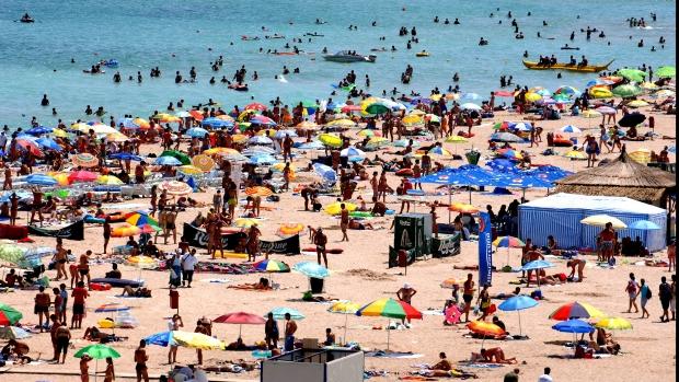 Aglomerație pe litoral. Crește numărul turiștilor familiști, dar scade cel al tinerilor dornici de distracție