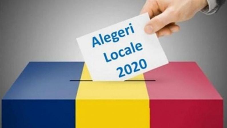"""Alegeri locale Urlati: Scandal la 3 sectii de votare din cauza aglomeratiei. Oamenii nu pastreaza distanta sociala, iar tinerii se tem ca vor aparea focare noi din cauza """"batranilor inconstienti"""""""