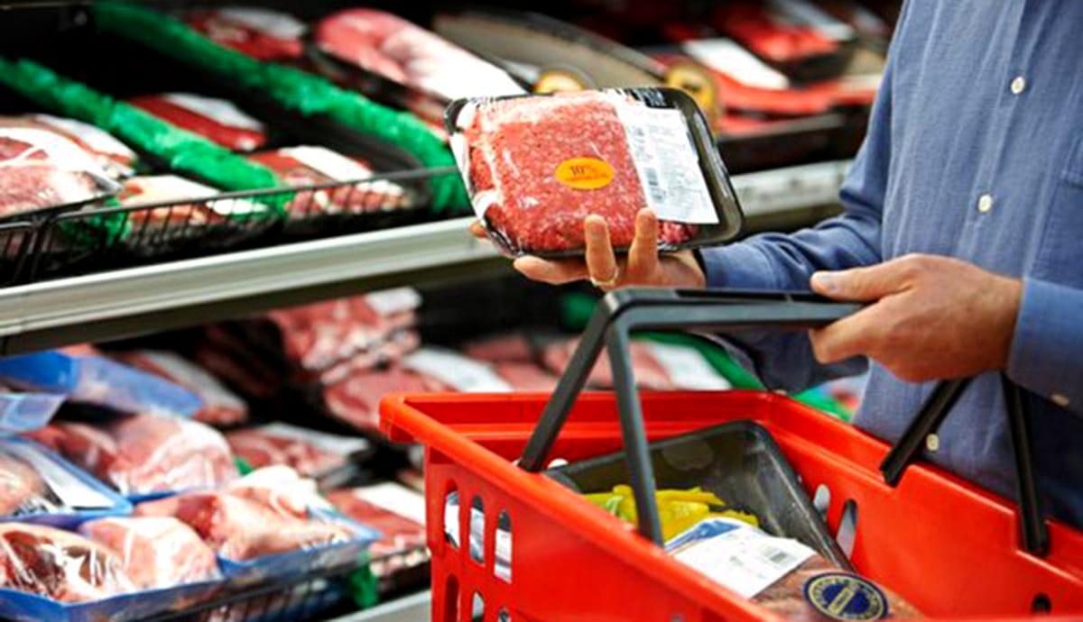 Alimente mai scumpe după începutul pandemiei. Cele mai mari scumpiri au fost la fructe și legume, iar cele mai mici la ouă