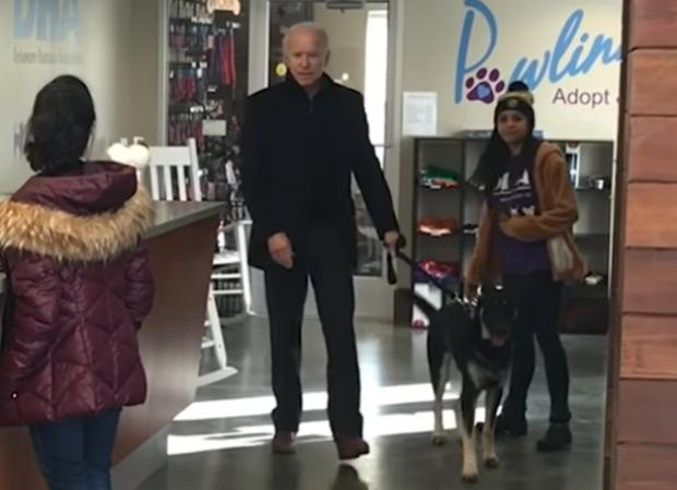 Președintele ales al SUA, Joe Biden, a suferit o fractură la picior în timp ce se juca cu câinele său