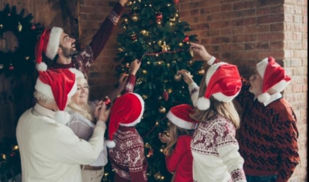 În Marea Britanie vor fi permise reuniunile de familie în preajma Crăciunului
