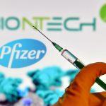 Șeful Pfizer anticipează când lumea va reveni la viața normală: 'Ar putea fi nevoie de vaccinarea anuală împotriva Covid'