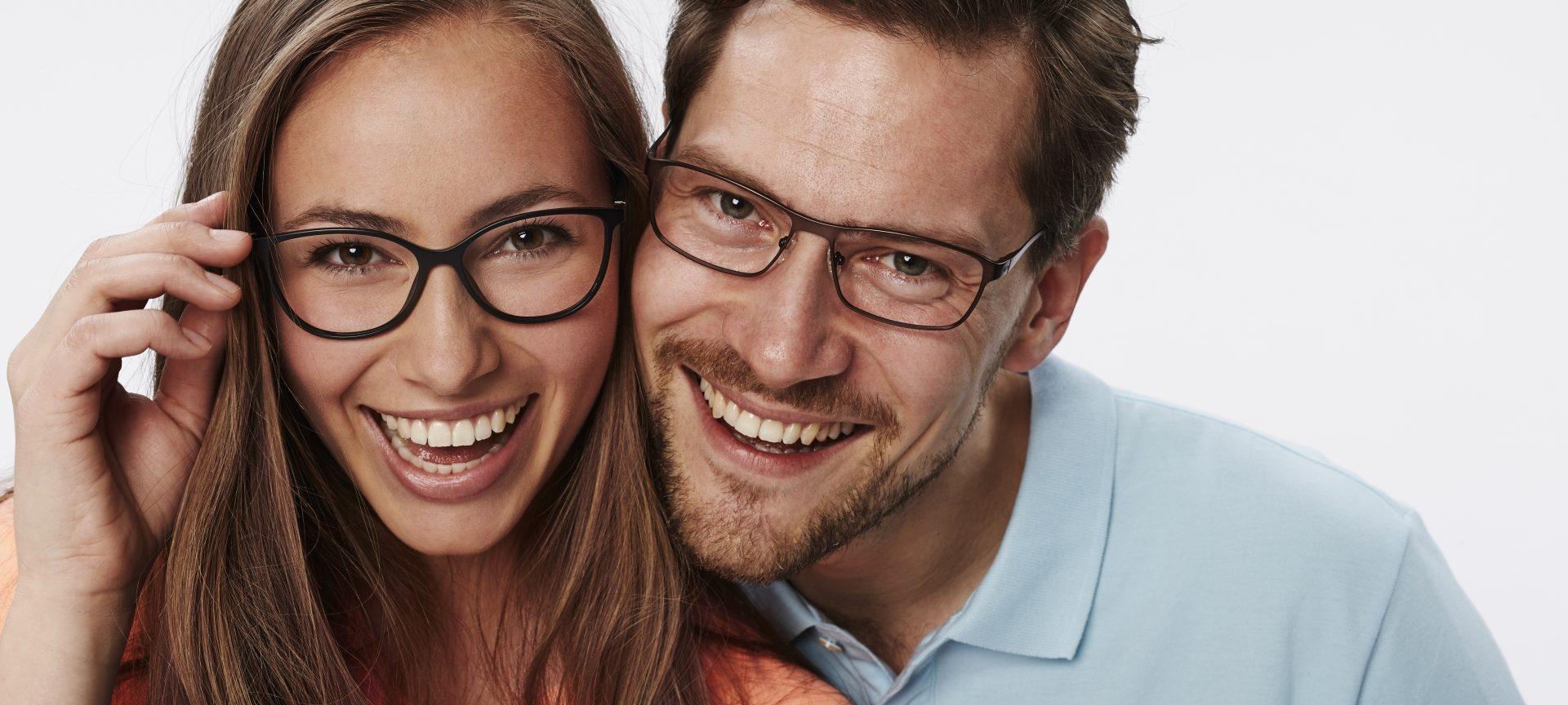 Ce ochelari ți se potrivesc? Un ghid al ramelor de ochelari potrivite pentru fiecare formă a feței