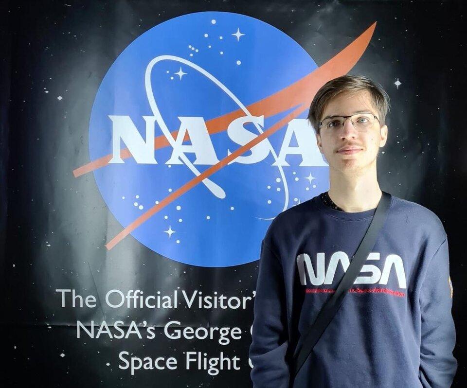 """Elevul ploieștean Victor Dragomir, locul 1 pe țară la Concursul national """"NASA- Scientist for a day"""""""