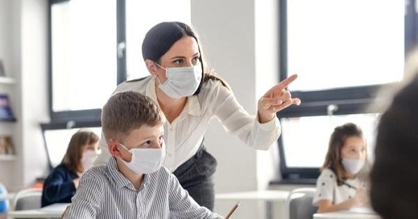Sorin Cîmpeanu: Profesorii nevaccinați ar putea fi testați periodic, înainte să intre la ore