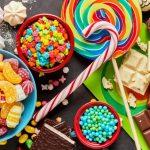 Semnal de alarmă al specialiştilor! 65% dintre copii mănâncă dulciuri în exces şi o parte dintre ei nu se hidratează corespunzător preferând sucul în locul apei