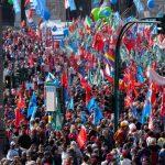Zeci de mii de italieni au demonstrat în marile oraşe împotriva fascismului